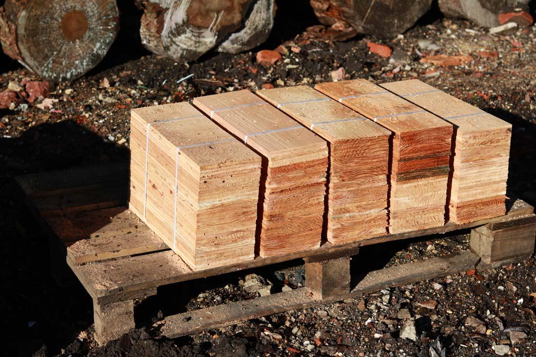 Cedar roofing shingles